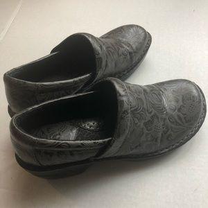 Boc clogs gray 9.5 slip on shoes paisley